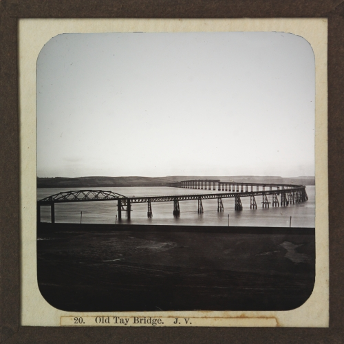 Slide showing first Tay Bridge