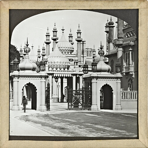 Brighton, Pavilion Entrance